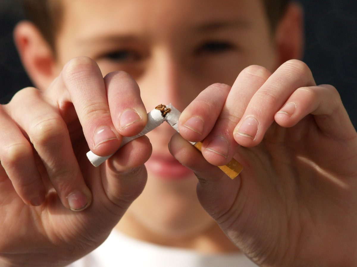 Dentist in Northfield IL   Tobacco & Your Teeth: The Risks of Chewing and Smoking